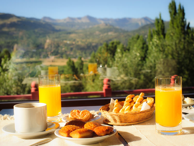 Most of our town lodging options provides continental or american breakfast.