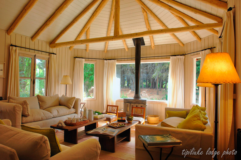 Tipiliuke lodge provides Chimehuin river private access and high end accomodations